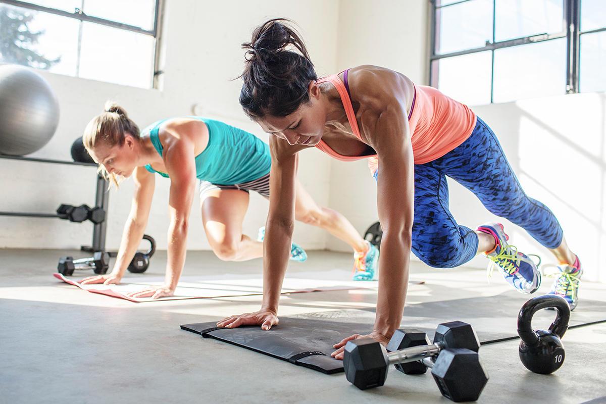 Így kell edzened, hogy órákkal később is zsírt égessen a tested!